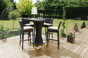 4 Seater Bar Set with Ice Bucket. Due in 21/9/21